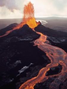 Violenta esplosione dal cratere dell'Etna, ferite dieci persone