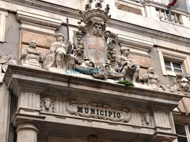 Genova – Lavoratori appalti Iren in corteo davanti a Tursi