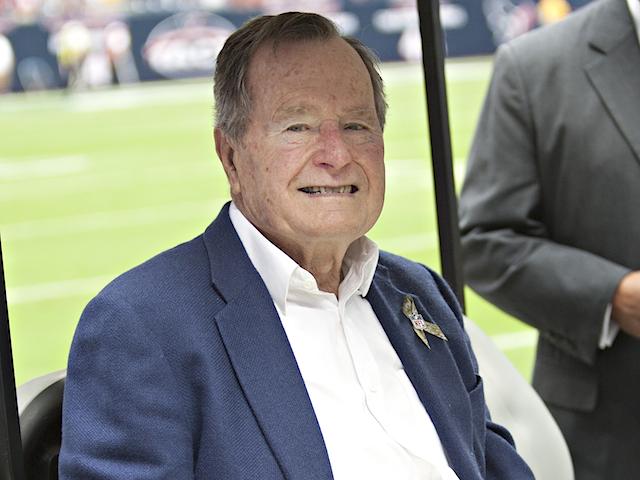 George Bush ricoverato in ospedale: è grave