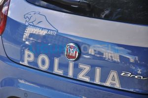 Via Turati, auto in fiamme