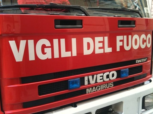 Bordighera - Incendio all'ex Hotel Michelin