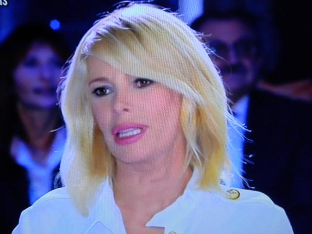 Gossip – Alessia Marcuzzi ha cambiato faccia: trucco o lifting?