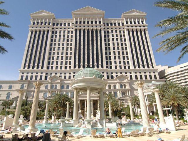 Las Vegas – Caesars Palace dichiara bancarotta