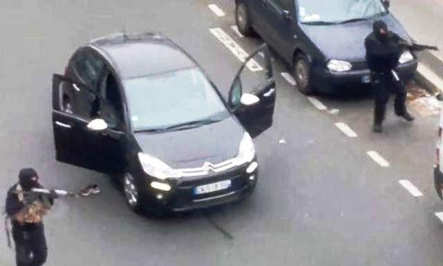 Parigi – Nuovo attacco dei terroristi. Preso in ostaggio negoziante ebreo
