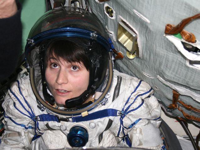 Samantha Cristoforetti twitta dallo spazio: stiamo tutti bene