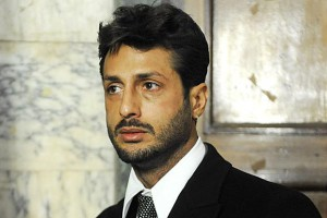 Fabrizio Corona resta in carcere, il messaggio di Nina Moric