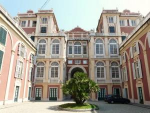 Nella foto, Palazzo Reale a Genova