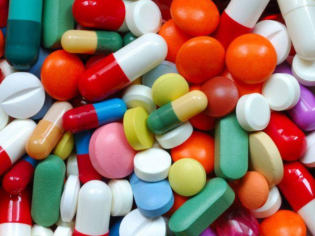 Rubavano farmaci per l'ospedale Perrino di Brindisi, 10 arresti