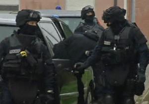 Primark - Rilasciati in Francia i 18 ostaggi dei banditi