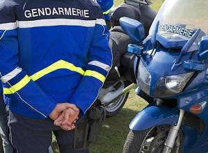 Parigi - Poliziotta investita davanti all'Eliseo. Indagini in corso