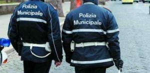 Genova - Incendio vicino a bombola del gas nel Centro Storico