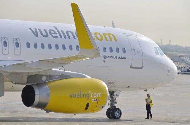 Atterraggio di emergenza per un aereo Vueling all'aeroporto di Genova