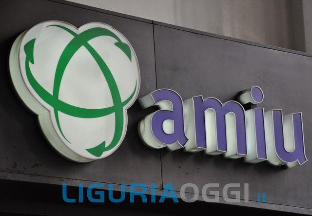 Sciopero con corteo dei lavoratori Amiu a Genova