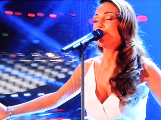 Gossip Sanremo 2015 – Anna Tatangelo punta su dolcezza e sex appeal