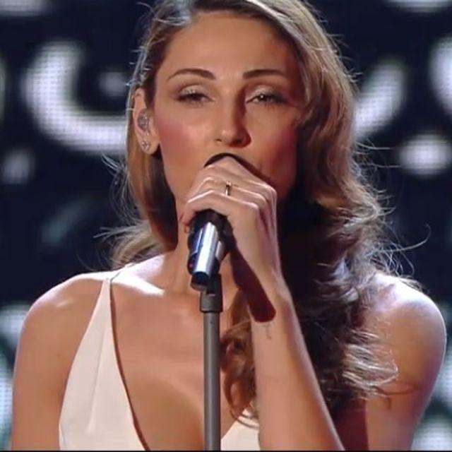 Sanremo 2015 – Anna Tatangelo troppo simile a Belen Rodriguez
