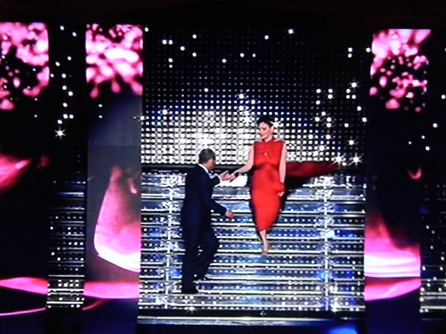 Gossip Sanremo 2015 – Arisa signora in rosso ammalia il Festival