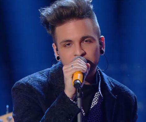 Alessio Bernabei firma con la Warner Music Italy, presto in studio per il primo album da solista