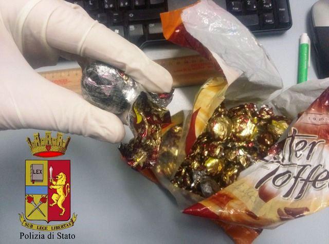 Rapallo – Droga camuffata da caramelle. Due arresti