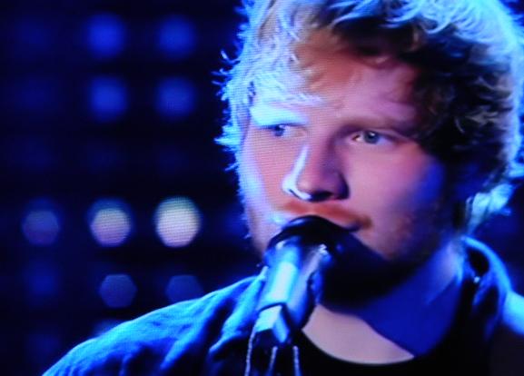Sanremo 2015 – Ed Sheeran dedica canzone d'amore a Carlo Conti per San Valentino
