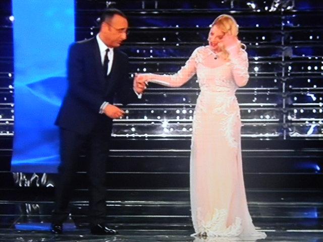 Gossip Sanremo 2015 – Emma bellissima in bianco incanta l'Ariston