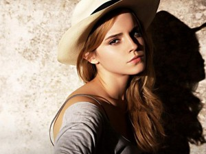 Emma Watson in topless per Vanity Fair, ed è polemica