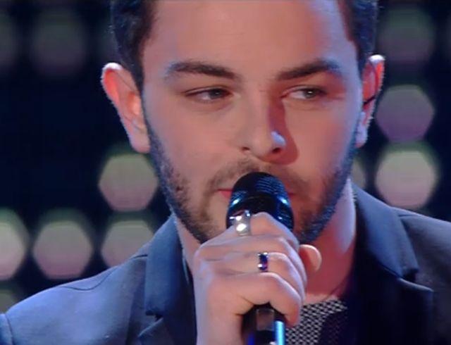 """Sanremo 2015 – Lorenzo Fragola canta """"Siamo uguali"""""""