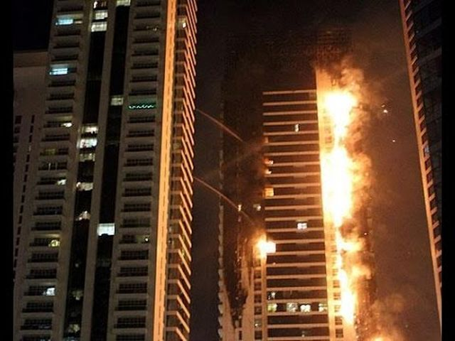Dubai – Maxi incendio al Torch Tower – VIDEO