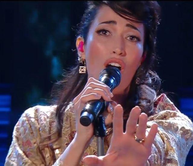 "Sanremo 2015 – Nina Zilli canta ""Sola"""