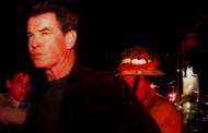 Pierce Brosnan - A fuoco la villa di Malibu di 007
