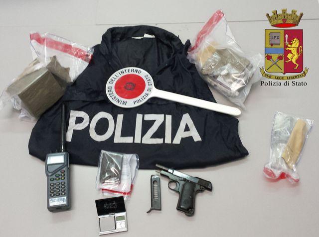 Genova – Polizia trova pistola e droga a Begato