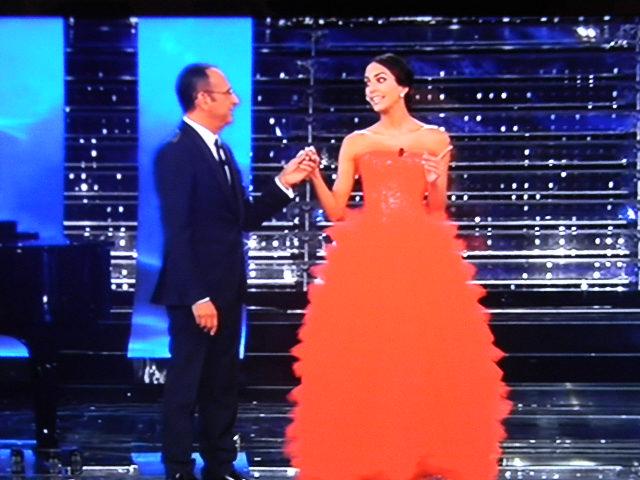 Gossip Sanremo 2015 – Rocio Munoz Morales: Lady Bova omaggia col look la sua Spagna