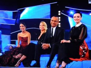 Sanremo 2015 - Conti ironizza: Renzi non mi ha ancora detto chi vince