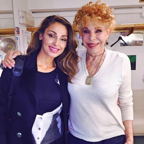 Gossip – Anna Tatangelo e la foto con la Vanoni: sommersa di critiche