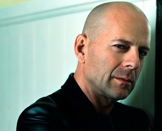 Gossip – Bruce Willis compie 60 anni (ma resta macho e sexy)