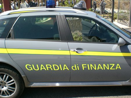 GdF sequestra merce falsa a Rossano