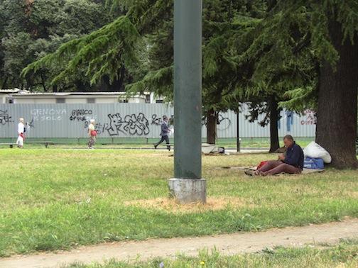 Liguria – Rissa tra disperati a La Spezia: clochard batte la testa e muore