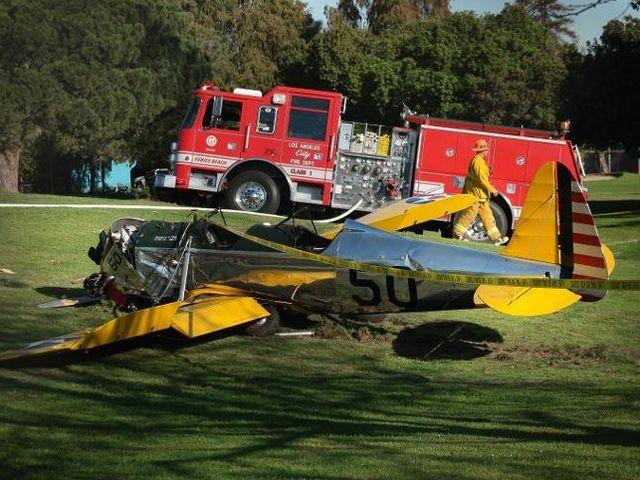 Harrison Ford si schianta durante esercitazione di volo