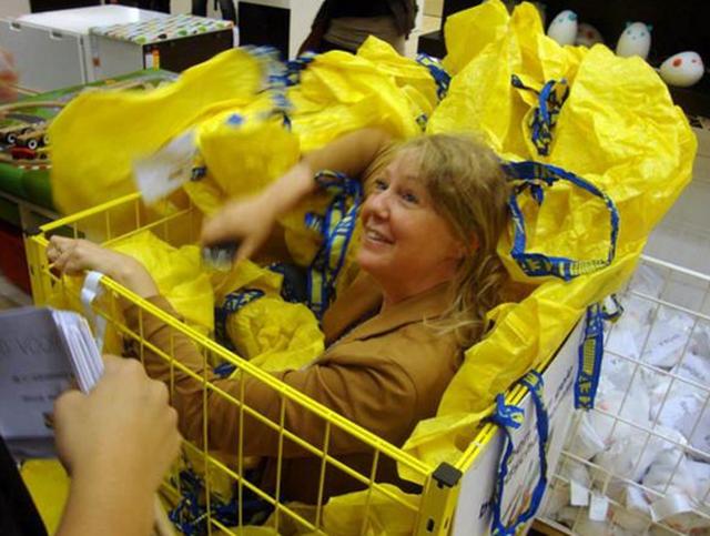 Ikea vieta il gioco del nascondino nei negozi d'Olanda – VIDEO
