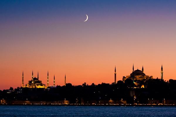 Turchia paralizzata da gigantesco black out: guasto o attacco terroristico?