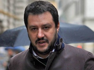 Matteo Salvini criticato per il ritiro di Rixi
