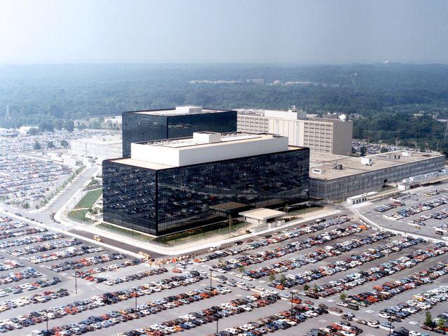 Colpi di pistola davanti alla sede della NSA in Maryland – Video