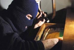 Truffavano le tabaccherie, denunciati due 25enni rumeni