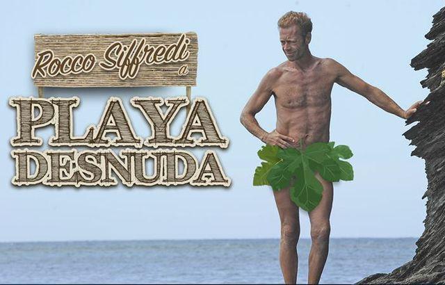 Rocco Siffredi si mostra nudo sulla Playa desnuda dell'Isola dei Famosi