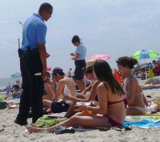 """Steward anti abusivi sulle spiagge? I clienti dicono no agli """"sceriffi"""""""
