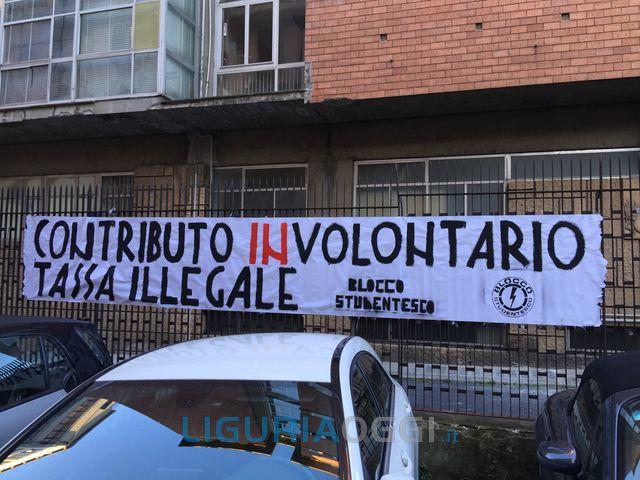 Scuola – Studenti protestano contro il contributo volontario