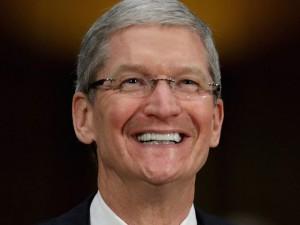 Apple - giudice Usa chiede di sbloccare l'iPhone del killer di San Bernardino, ma l'azienda si rifiuta