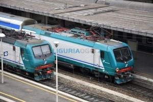 Prà - Ragazzina cerca di farsi travolgere da un treno