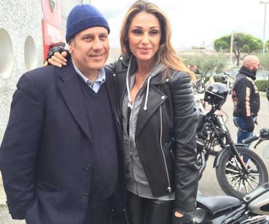 "Flop 'About Love', Anna Tatangelo difende Moccia: ""La ruota gira…"""