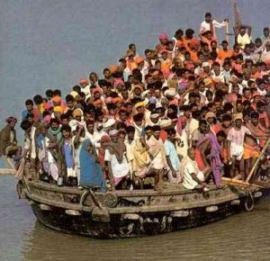 Strage di Migranti - Alfano: presi due scafisti