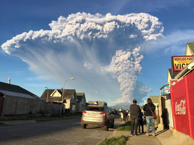 Cile – Vulcano Cabulco si risveglia dopo 42 anni di sonno
